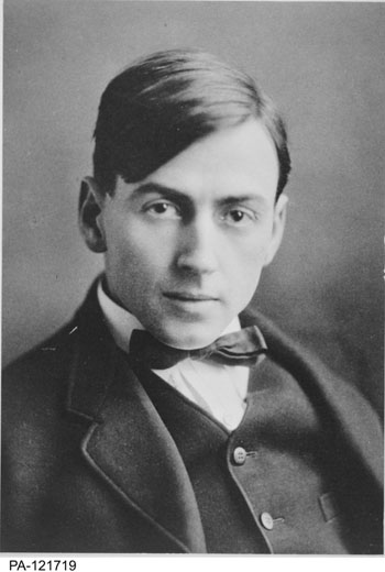 Tom Thomson ca. 1910-1917, Library and Archives Canada / PA-121719
